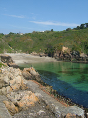 Saints Bay, Guernsey - Link to Visit Guernsey web site